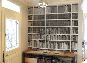 papier peint bibliotheque remplie de livres