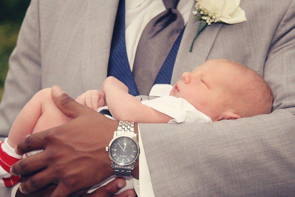 Quoi graver sur une médaille de baptême